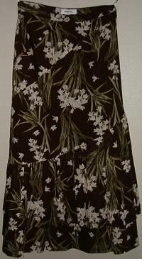 ホワイトベルプリントスカート