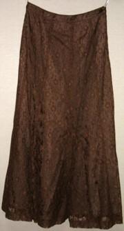 茶色のレーススカート