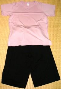 ドライメッシュクルーネックTシャツとドライメッシュショートパンツ