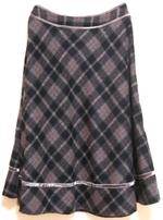 シャギーチェック紺×ベージュスカート