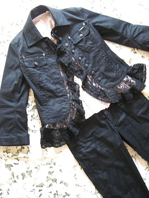 レース付きパンツスーツ