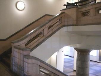 旧横浜商工奨励館階段踊場